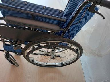 輪椅功能-輪椅手推圈功能