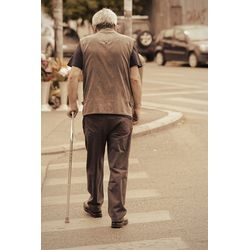 外出步行穩定-【摺疊拐杖推薦】讓長輩像個優雅的紳士.淑女