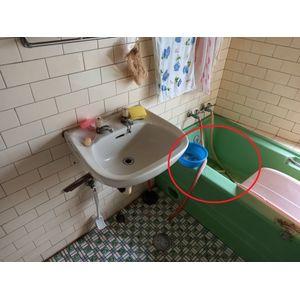 乘坐空間過窄-洗澡椅(沐浴椅)推薦介紹大全-長輩洗澡坐的安全嗎?