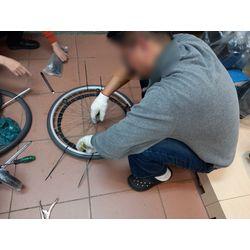 輪椅輪胎更換